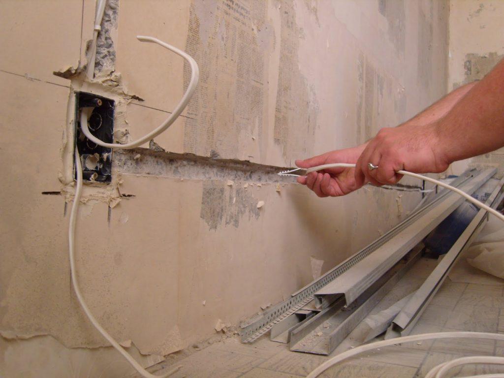 Как заменить старую проводку на кухне своими руками